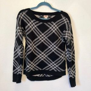 Black and Gray Patterned Mossimo Sweater